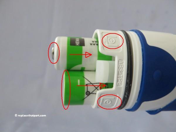 hoe vervang ik de batterijen van een oral b advancepower db4010 elektrische tandenborstel 08