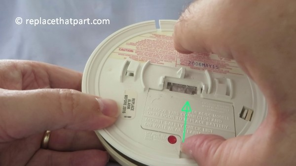 how to replace the battery in the firex smoke alarm padc240 10