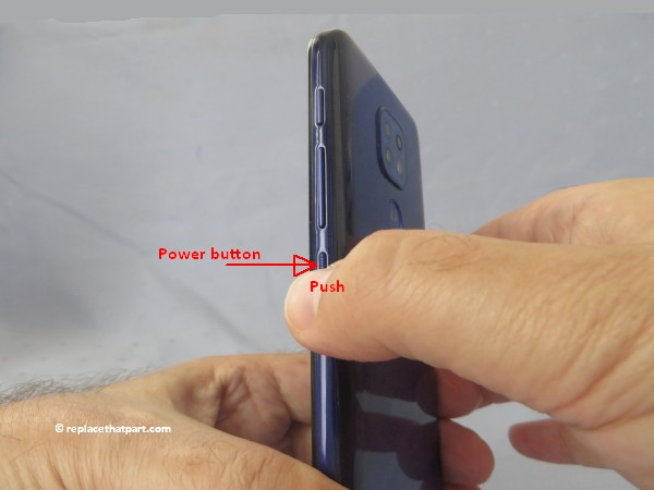 motorola moto g9 play how to insert or remove sim cards and sd memory card 04