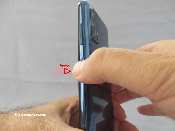motorola moto g9 plus how to insert or remove sim cards and sd memory card 05